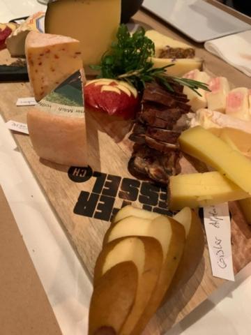 Einfach Käseplatte mit Käse aus dem Seetal Restaurant Kupferkessel